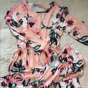 Dresses & Skirts - Maxi dress // Long-sleeved // Pink floral